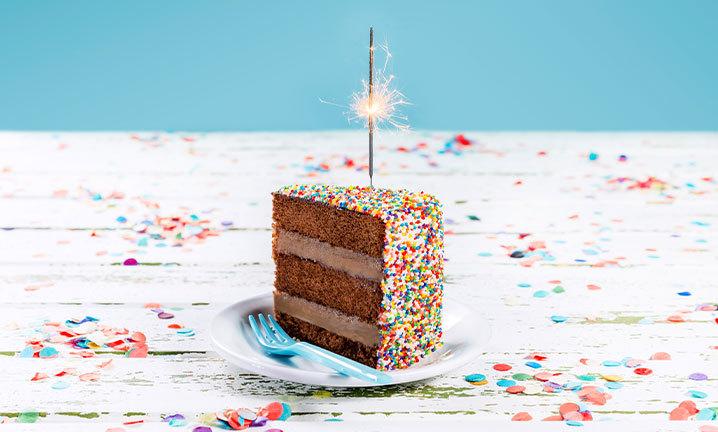 bolo de aniversário de brigadeiro