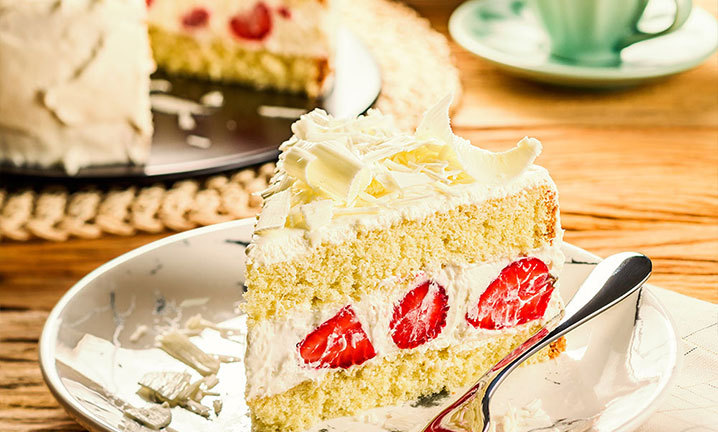 bolo de aniversário de morango